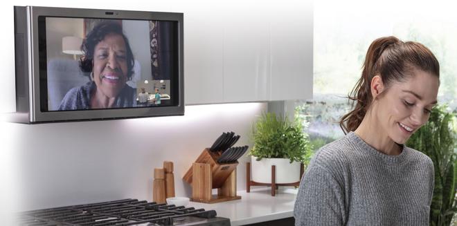 [CES 2020] Đây là lò vi sóng dành cho dân nghiện phim: có màn hình cảm ứng 27-inch để xem Netflix - Ảnh 4.