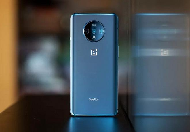 Tính năng mới của OnePlus sẽ giúp bạn yên tâm sạc điện thoại qua đêm mà không lo bị chai pin - Ảnh 1.