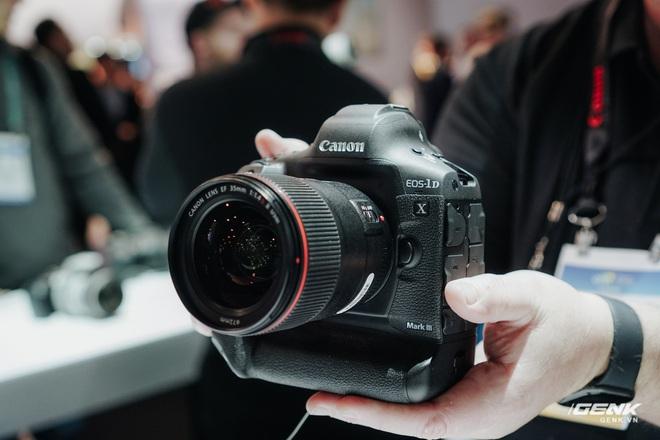 [CES 2020] Cận cảnh bộ đôi quái vật Canon EOS 1DX Mark III và EOS Ra - Ảnh 9.