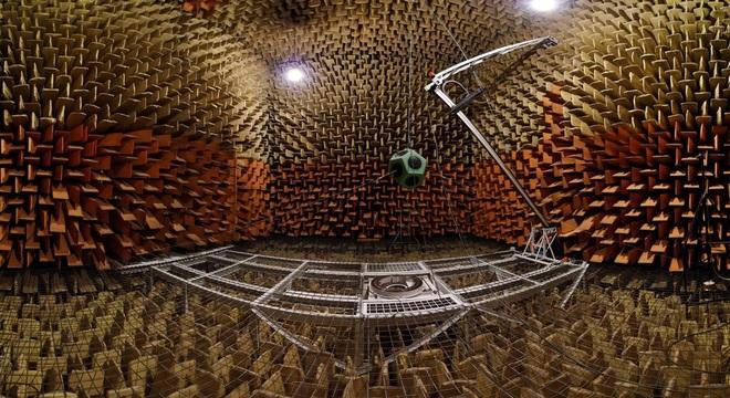 [Vietsub] Bên trong căn phòng yên tĩnh nhất thế giới, bạn có thể nghe thấy cả tiếng máu chảy trên đầu mình - Ảnh 4.