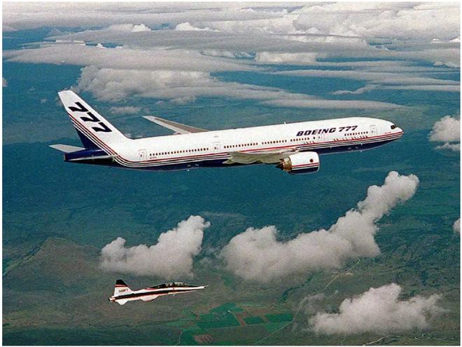 777X: flagship khổng lồ mới của Boeing vừa thực hiện thành công chuyến bay đầu tiên - Ảnh 1.