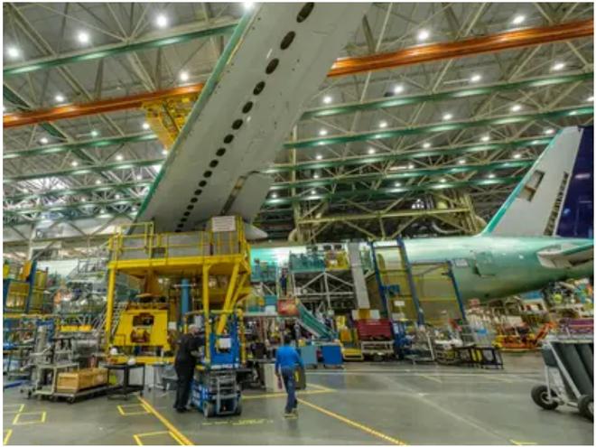 777X: flagship khổng lồ mới của Boeing vừa thực hiện thành công chuyến bay đầu tiên - Ảnh 3.