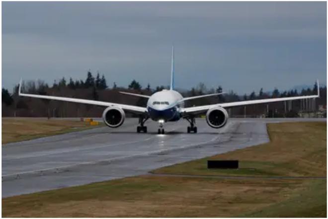 777X: flagship khổng lồ mới của Boeing vừa thực hiện thành công chuyến bay đầu tiên - Ảnh 9.