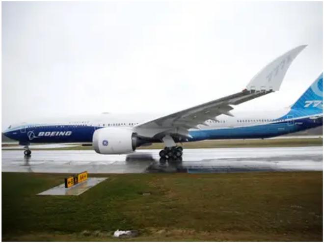 777X: flagship khổng lồ mới của Boeing vừa thực hiện thành công chuyến bay đầu tiên - Ảnh 11.