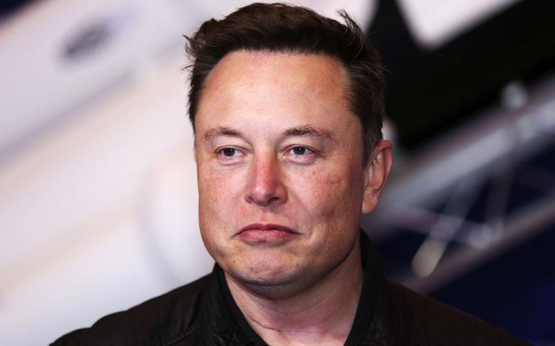 Tỷ phú Elon Musk có thể muốn chuyển một lượng lớn tiền mặt của Tesla thành Bitcoin
