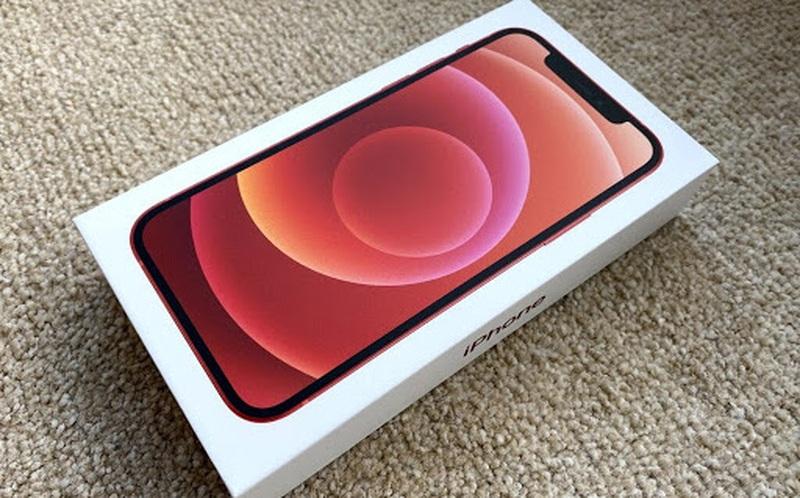 Apple sẽ buộc phải bán iPhone kèm củ sạc ở Brazil