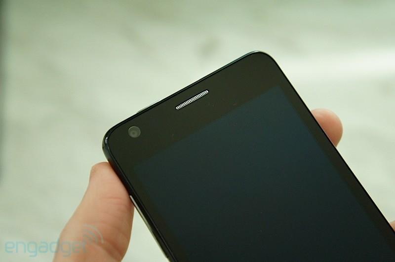 Alcatel One Touch Idol Ultra: Smartphone mỏng nhất thế giới được bán tại Việt Nam với giá 6,5 triệu đồng 2
