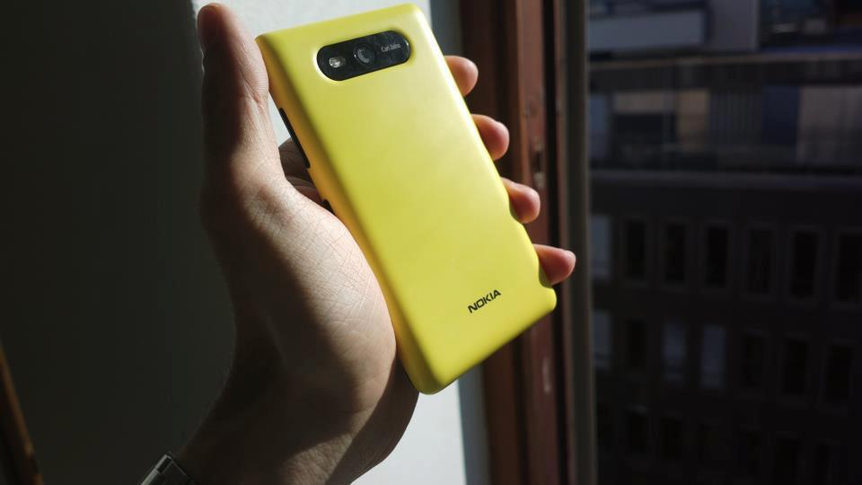 Smartphone Lumia sẽ có pin năng lượng mặt trời 1