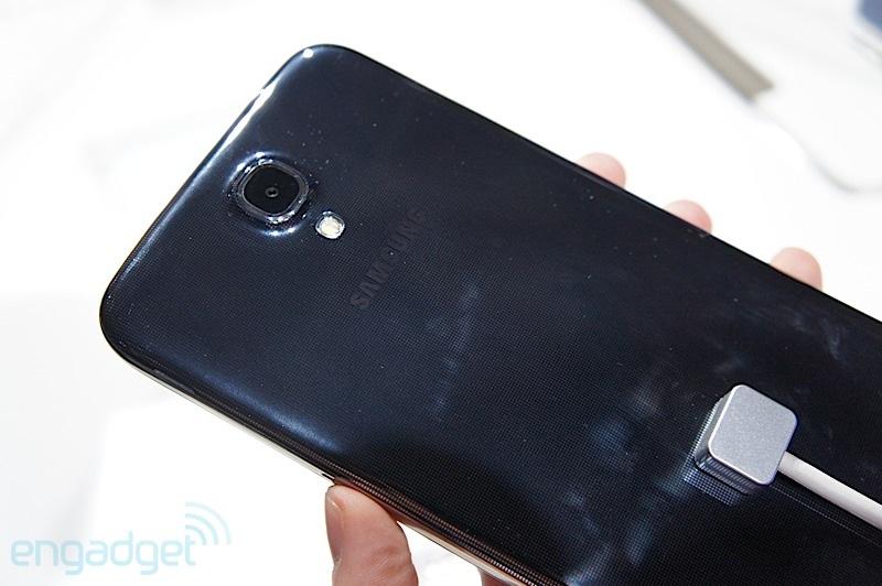 Samsung Galaxy Mega 6.3: To lớn nhưng không khác biệt 4