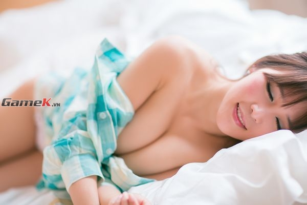 """Nóng bức với các bức ảnh sexy của """"siêu vòng một"""" Trương Ưu 5"""