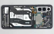 Mổ bụng Galaxy S21: Cảm biến vân tay siêu âm rất lớn, dễ sửa chữa một cách đáng kinh ngạc