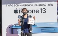 """Ngày đầu mở bán iPhone 13: Bản Pro Max 128GB cháy hàng, giá iPhone trên """"chợ đen"""" bị đẩy lên cao"""