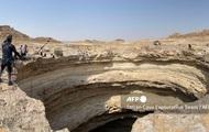 """Lần đầu tiên có đoàn thám hiểm chạm tới đáy """"giếng địa ngục"""" triệu năm tuổi ở Yemen"""