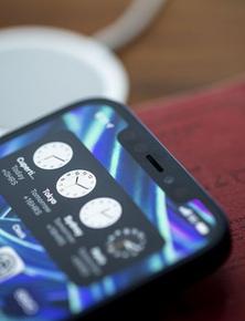 iPhone 13 sẽ có rãnh tai thỏ nhỏ hơn, iPhone 14 màn hình đục lỗ, iPhone 15 thiết kế toàn màn hình