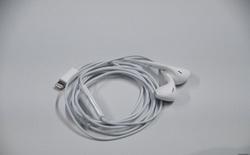 Apple giảm mạnh giá bán tai nghe EarPods và củ sạc iPhone, sau khi ngừng bán kèm trong hộp của iPhone 12