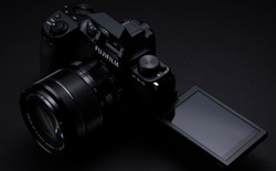 Fujifilm công bố máy ảnh X-S10: Nhỏ nhắn, vừa túi tiền, đủ tính năng