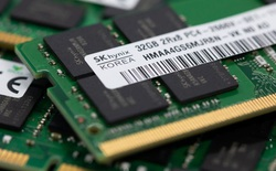 Intel bán mảng chip nhớ cho SK Hynix với giá 9 tỷ USD, rút lui khỏi thị trường