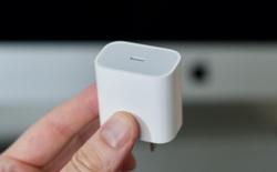 Thật không may cho môi trường, ngay cả củ sạc nhanh của iPhone 11 Pro cũng không thể sạc nhanh cho iPhone 12