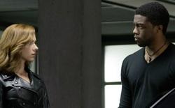 """Hóa ra T'Challa quyết định nâng cấp bộ giáp Black Panther là do """"cay cú"""" Black Widow"""