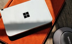 Người dùng kêu ca vì Microsoft Surface Duo dễ bị nứt xung quanh cổng USB-C