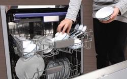 Mỗi cm3 trong miếng rửa bát có đến 50 tỉ vi khuẩn khác nhau, rửa bát thế nào cho đảm bảo sức khỏe cả gia đình?