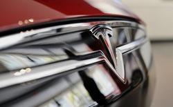 Xe Tesla gây tai nạn chết người ở Hàn Quốc, tài xế tố xe mất lái và tự tăng tốc