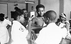 Chuyện về người nô lệ da đen đầu tiên dạy cả nước Mỹ tiêm chủng vắc-xin