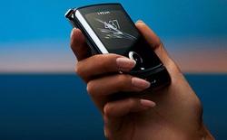 CNET nói Razr dễ hỏng sớm, Motorola ngay lập tức phản pháo bằng bài thử gập 'đúng với thực tế hơn'