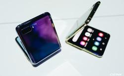 Cận cảnh Samsung Galaxy Z Flip: Thiết kế gập dọc, chất liệu kính dẻo, vẫn có vết nhăn, giá 1380 USD