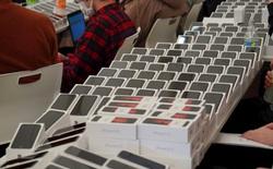 Nhật Bản phát gần 2.000 iPhone cho hành khách trên tàu bị cách ly vì Covid-19