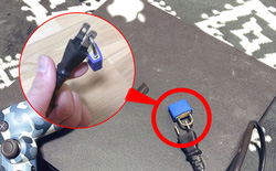 """Cao tay như phụ huynh Nhật Bản: """"Bấm khóa"""" phích cắm điện máy PS4 để con khỏi chơi điện tử"""