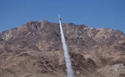 """Tự chế tên lửa để bay lên chứng minh Trái Đất phẳng, ông """"bác học điên"""" thiệt mạng vì dù hỏng"""