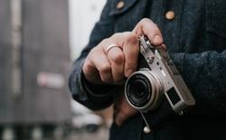 Fujifilm ra mắt máy ảnh X100V: màn hình lật được 2 chiều, ống kính nâng cấp và chống nước 'tùy chọn'