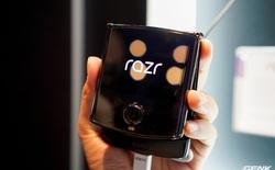 """CNET: Motorola Razr gập được 27.000 lần thì xuất hiện tiếng """"cạch"""" khá to, không đạt được kỳ vọng"""