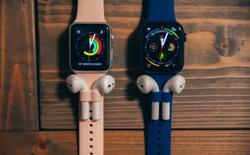 Đây là mẫu dây Apple Watch có gắn thêm lỗ cắm AirPods cho nó khỏi rơi, giá gần 700.000 đồng/bộ