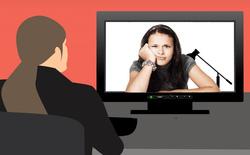 Phản cảm với chiêu trò trốn học, né họp online trên Zoom bằng cách dùng ảnh, video tự quay bản thân đang ra vẻ chăm chú lắng nghe