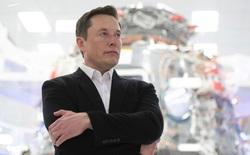 Vẫn là Elon Musk: Doanh nghiệp đóng cửa nhà máy gần hết, riêng Tesla mở lại nhà máy để sản xuất máy thở chống Covid-19
