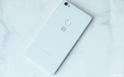 Bphone 4 có tên gọi chính thức Bphone B86, loại bỏ hoàn toàn phím bấm vật lý