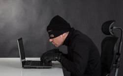 Quy tụ một loạt hacker khét tiếng thế giới nhưng diễn đàn này lại vừa bị...hack, không chỉ một mà tới tận hai lần!