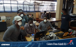 Chuyển từ tiền giấy sang tiền di động - Giải pháp đương đầu với đại dịch Covid-19 của giới công nghệ châu Phi