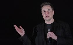 """Elon Musk lại """"phá đảo"""" Twitter: Tuyên bố giá cổ phiếu Tesla quá cao, đòi bán hết nhà cửa, bị bạn gái dỗi cũng phải kể cho thiên hạ biết"""