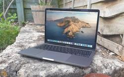 """Dùng CPU """"thửa riêng"""" của Intel, nhưng MacBook Pro 13"""" không nhanh hơn các laptop khác"""