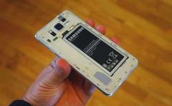 Samsung sắp ra mắt smartphone có pin tháo rời?