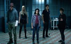 Fox bất ngờ hé lộ 2 phút đầu tiên của The New Mutants với những cảnh phim căng thẳng đến tột độ