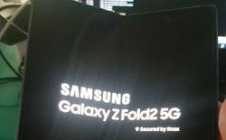 """Galaxy Z Fold 2 lộ ảnh thực tế với màn hình """"nốt ruồi"""" kích thước lớn"""
