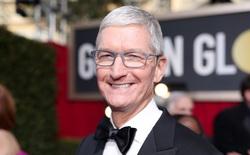 CEO Tim Cook chính thức trở thành tỷ phú, nhưng không giống với Mark Zuckerberg hay Jeff Bezos
