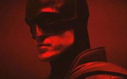 Bộ Batsuit của Người Dơi được thiết kế thêm 1 bộ phận đặc biệt, cho phép Robert Pattinson tiểu tiện tại chỗ mà không cần cởi áo giáp