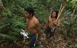 Thổ dân vùng Amazon đang bảo vệ cánh rừng và loài báo bằng ... drone