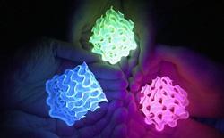 Giới khoa học chế tạo thành công vật thể huỳnh quang rắn sáng đến mức không thể tin nổi