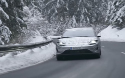12 tháng sau khi công bố, Sony đã công khai thử nghiệm xe hơi concept trên đường